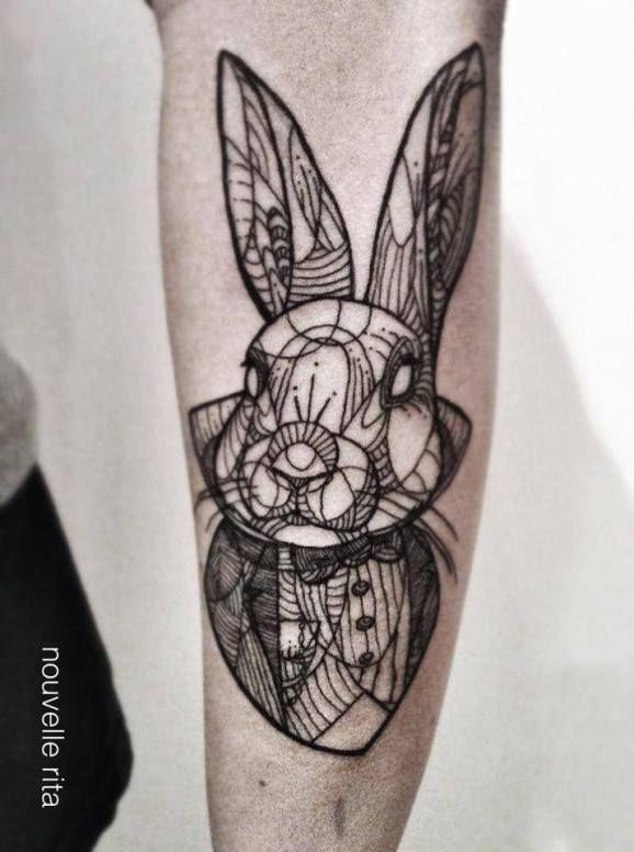 tatuaje de conejo minimalista para hombre