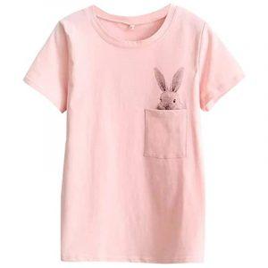 camiseta de mujer rosa con conejito